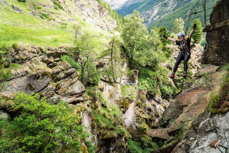 Saas-Fee Guides Alpine Canyon - Summer Tour