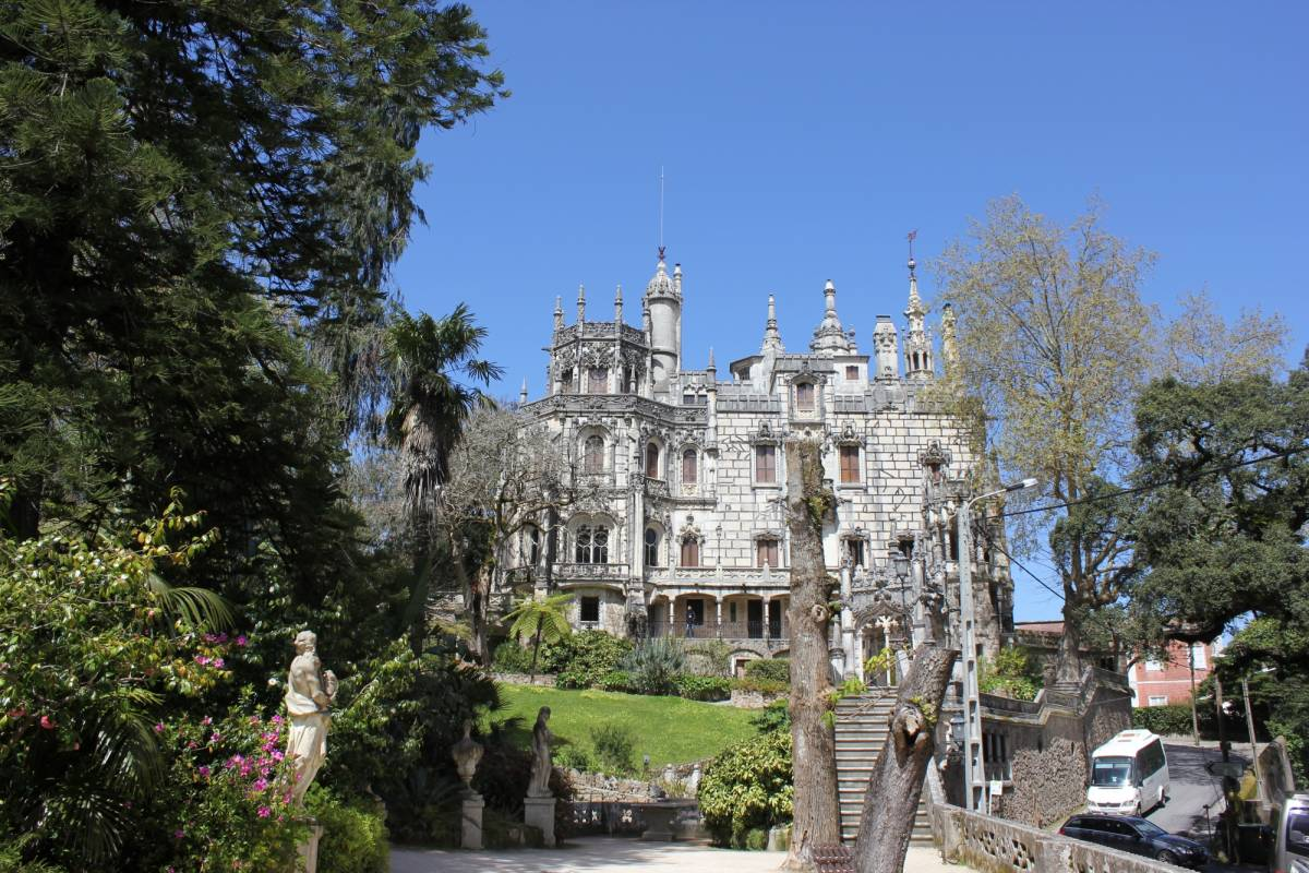 Lisbon On Wheels Arrábida and Sintra - Two Magic Mountains Tour