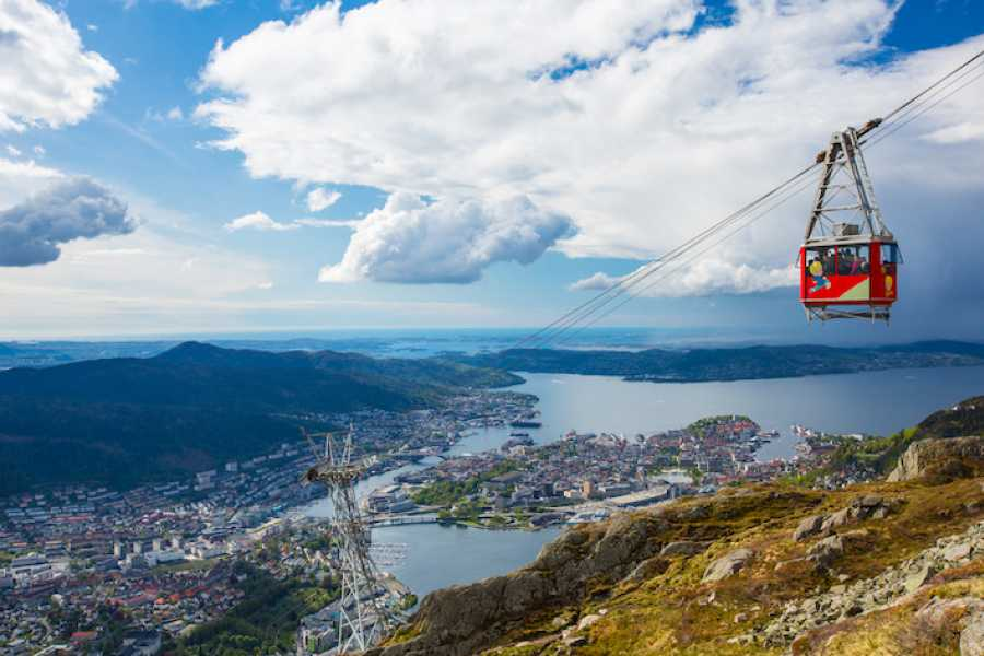 Norway Insight Bysykling og fjellvandring