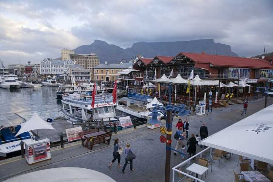 BOOKINGAFRICA.NET Cape Town - The Dock House 3 nights