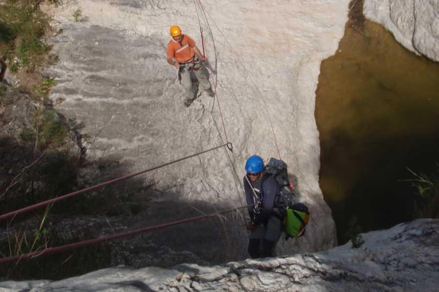 TURURAC. Turismo Activo y de Aventura Canyoning Course