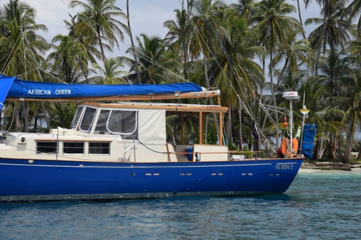 Cacique Cruiser Boat booking