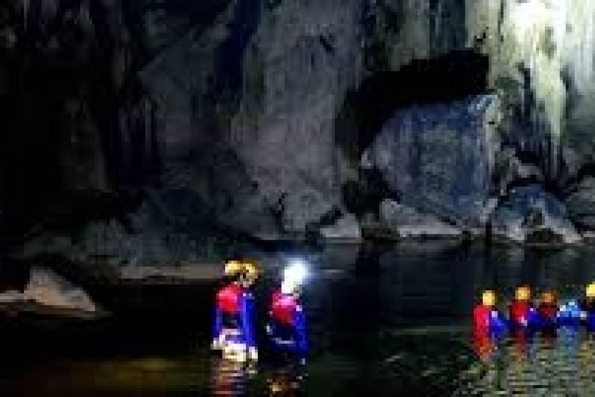 OCEAN TOURS Phong Nha - Hue 1D2N