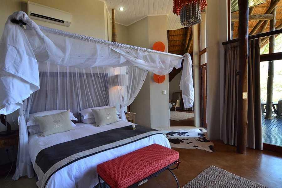 BOOKINGAFRICA.NET Zululand - Amakhosi Safari Lodge 3 nights