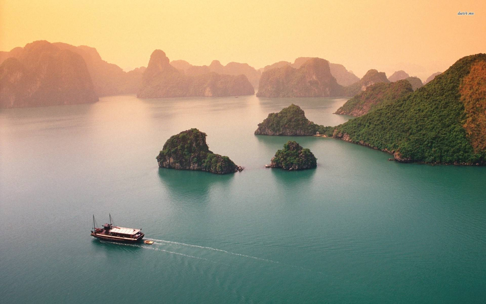 Party Cruise | Halong Bay 3D2N - Friends Travel Vietnam