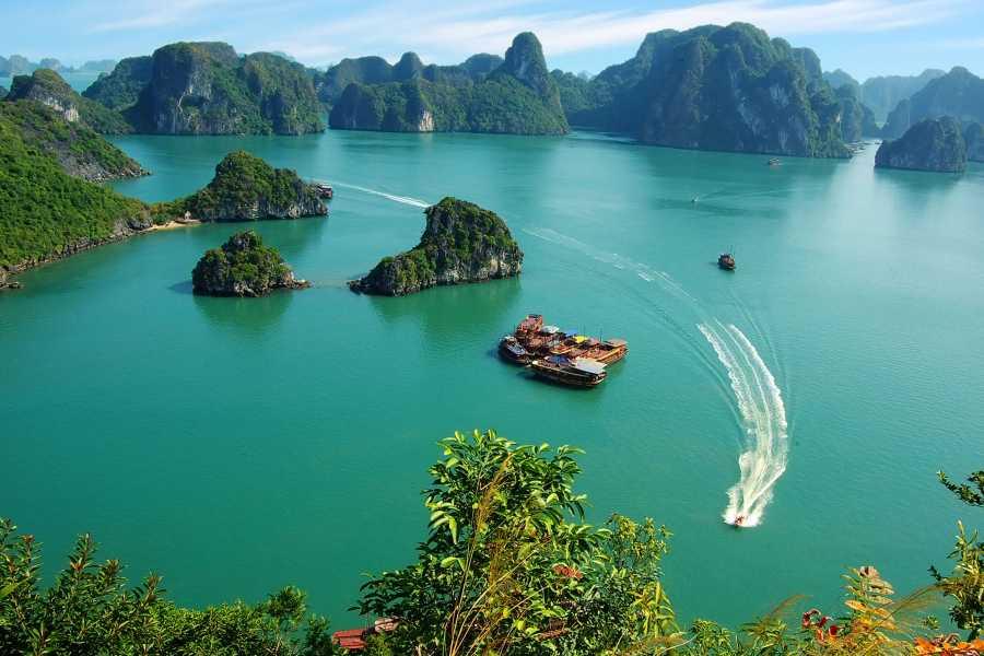 Friends Travel Vietnam Calypso Cruise   Ha Long Bay 3D2N