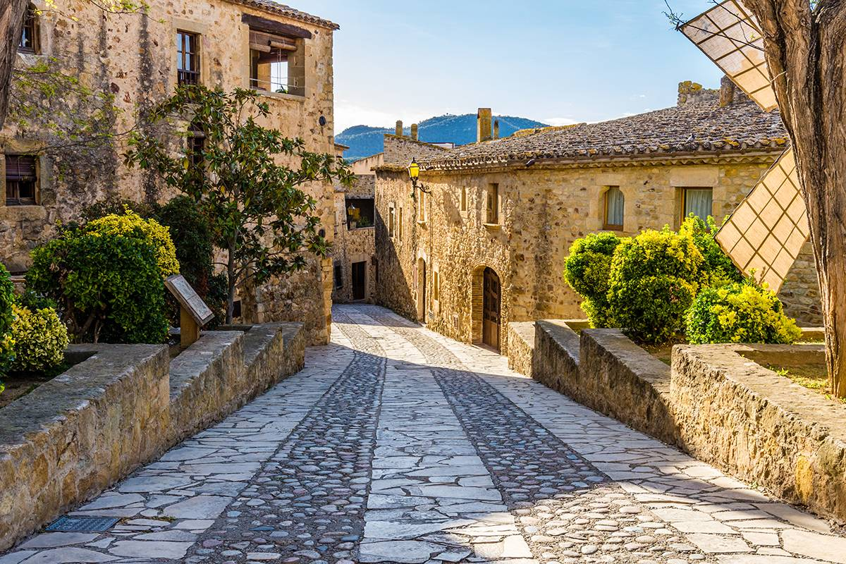 SANDEMANs NEW Barcelona Tours Girona, Figueres & Dalí Museum Day Trip