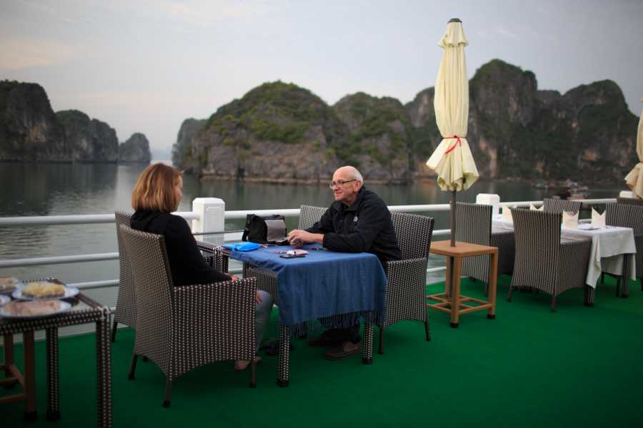 Friends Travel Vietnam Royal Wings | 3D2N Halong Bay