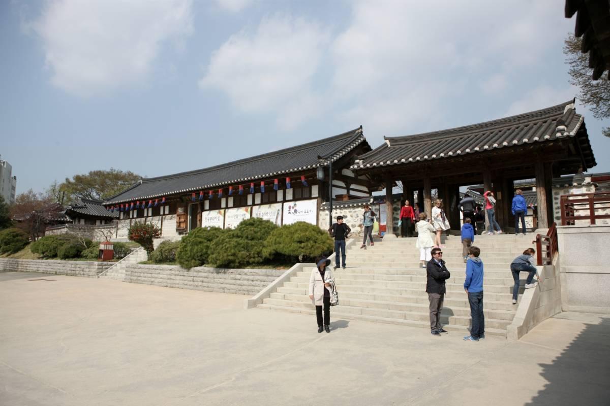 Kim's Travel 04 首尔南山塔-南山谷韩屋村-仁寺洞半日游