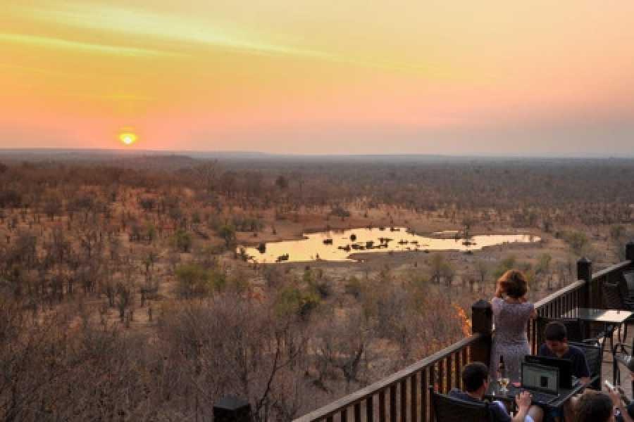 BOOKINGAFRICA.NET Victoria Falls Safari Club 3 nights