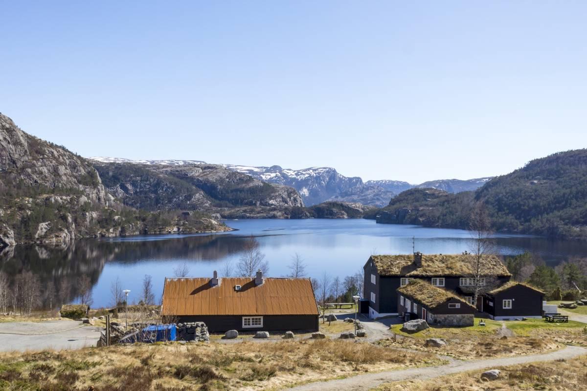 Outdoorlife Norway AS Preikestolen Spring Hike