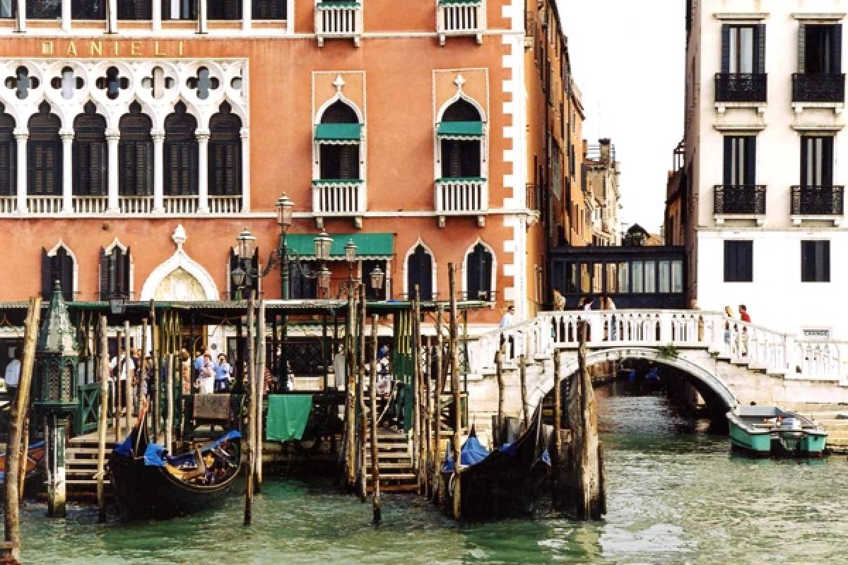 Venice Tours srl Venetian Waterways by Gondola