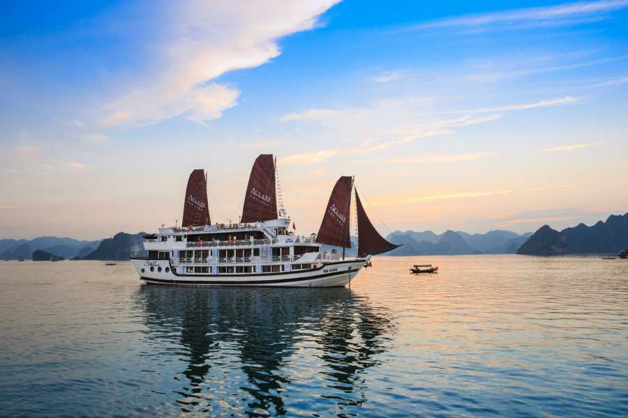 Friends Travel Vietnam Stella Cruise | 2D1N Halong Bay