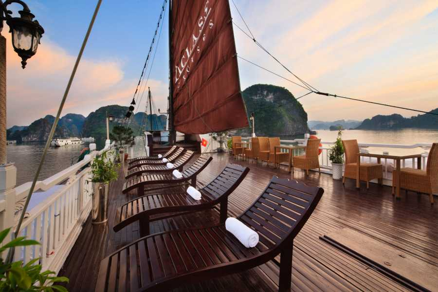 Friends Travel Vietnam Stellar Cruise | 2D1N Halong Bay