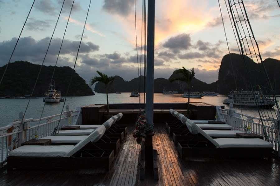 Friends Travel Vietnam Syrena Cruise | 2D1N Halong Bay