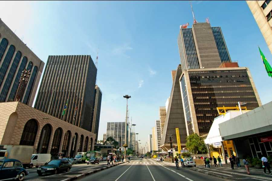 Check Point 2 City Tour with a visit to the Center, City Market, Paulista and Jardins (5h)
