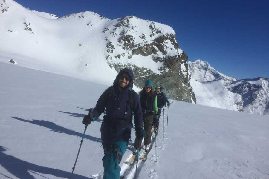 Saas-Fee Guides Ski / Snowboard Plus (taster tour)