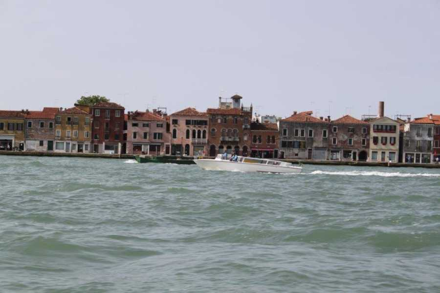 Venice Tours srl SHUTTLE TRANSFER by WATERTAXI