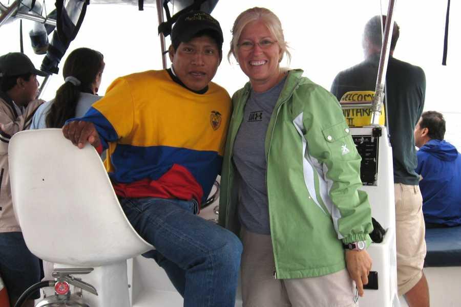 PALO SANTO TRAVEL TOUR FULL BALLENAS CON INVESTIGADORES | BIOLOGOS | PUERTO LOPEZ