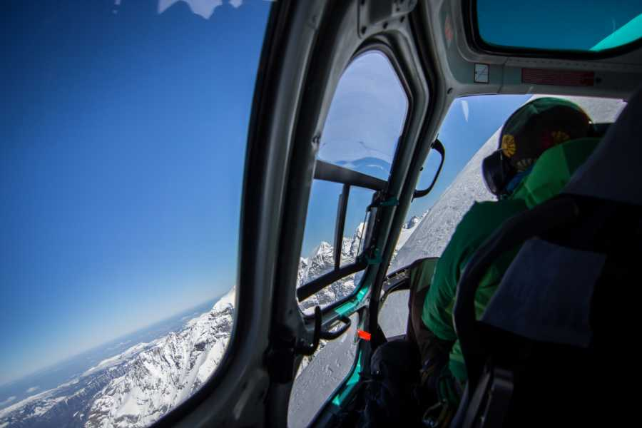 Saas-Fee Guides Heli-skiing