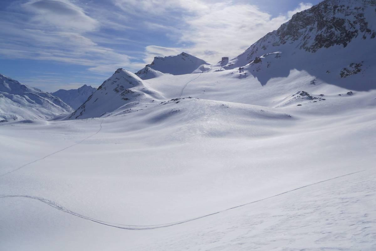 Saas-Fee Guides Glacier Safari - snowshoe trekking