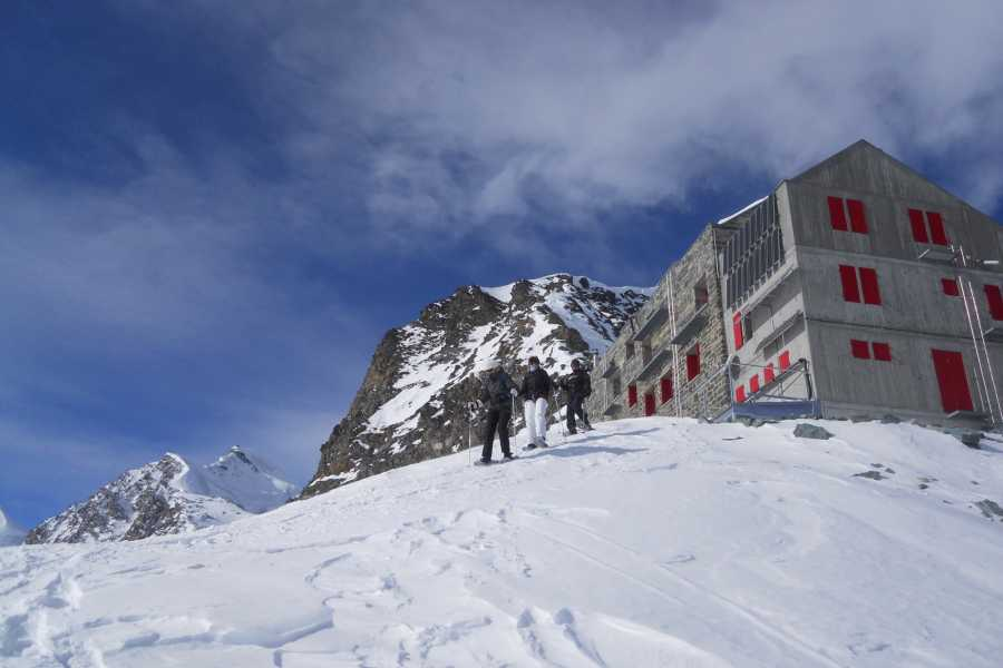 Saas-Fee Guides Gletscher Safari - Schneeschuhtrekking