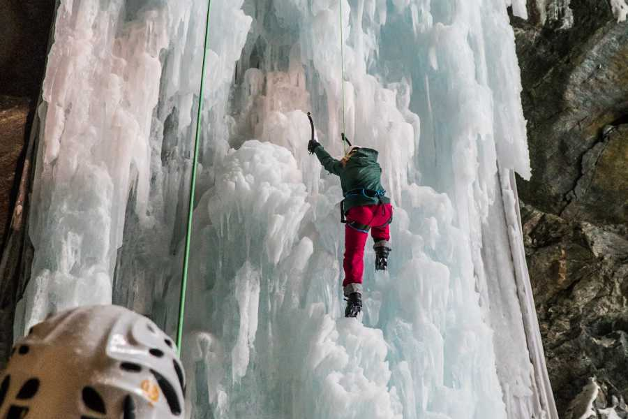 Saas-Fee Guides Ice Climbing