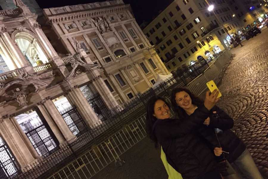 Italy on a Budget tours ROMING ROME BY NIGHT