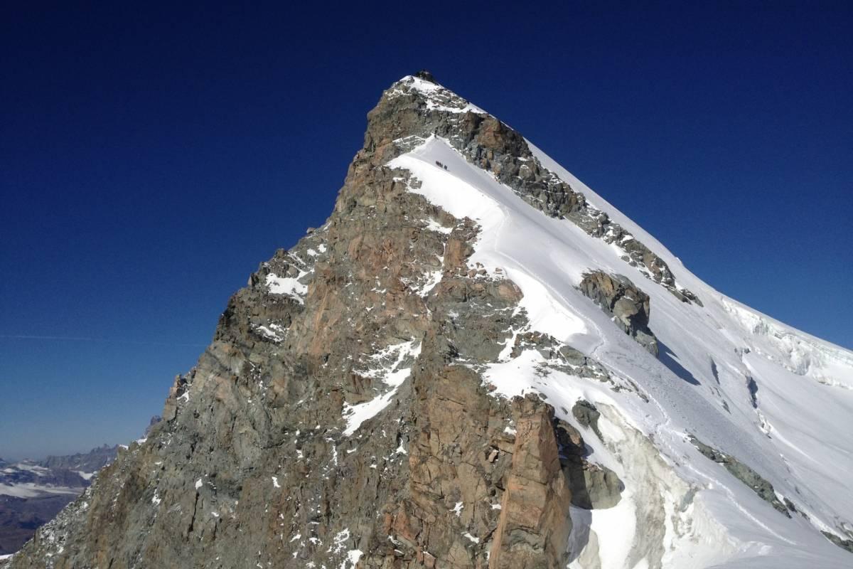Saas-Fee Guides Allalin Ostgrat 4027m ab Britanniahütte