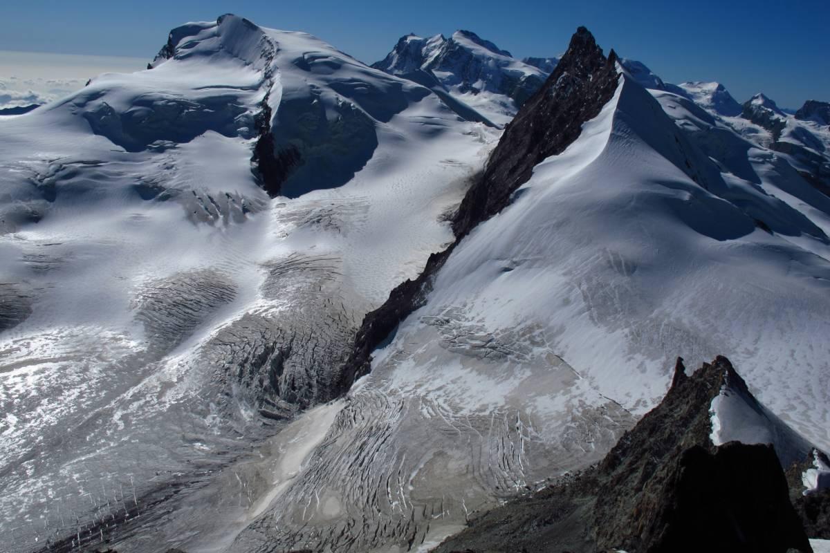 Saas-Fee Guides Strahlhorn 4190m ab Britanniahütte