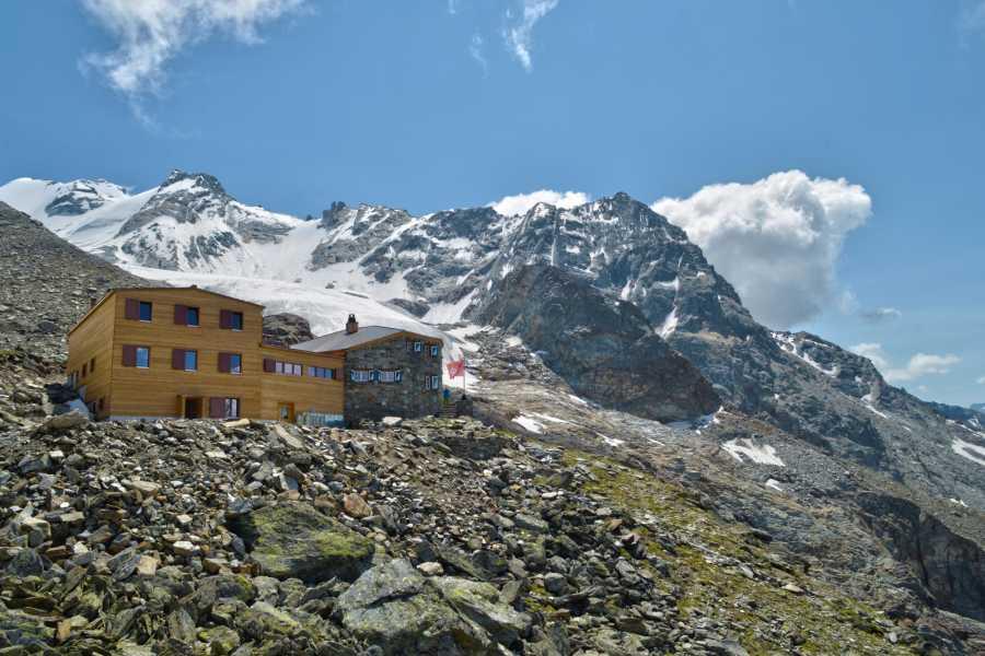 Saas-Fee Guides Dom 4545m ab Domhütte