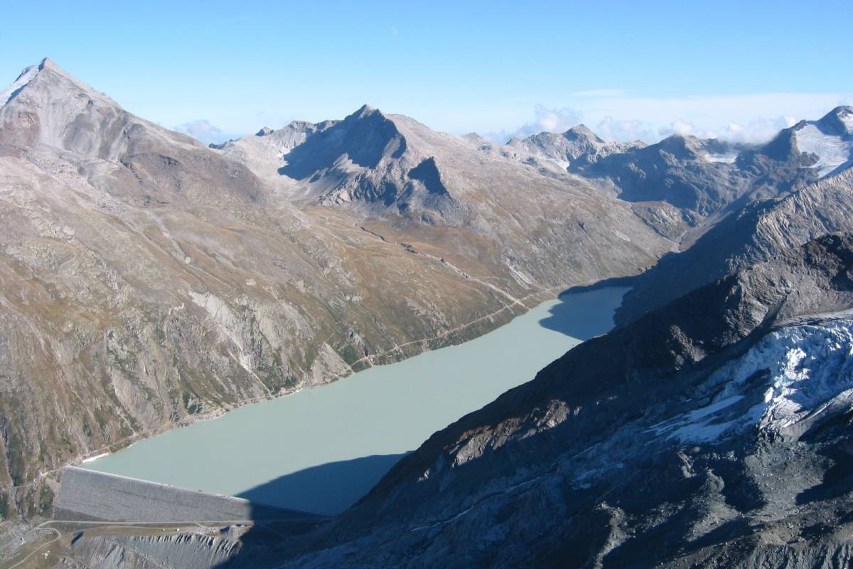 Saas-Fee Guides Glacier Safari - Summer glacier trekking