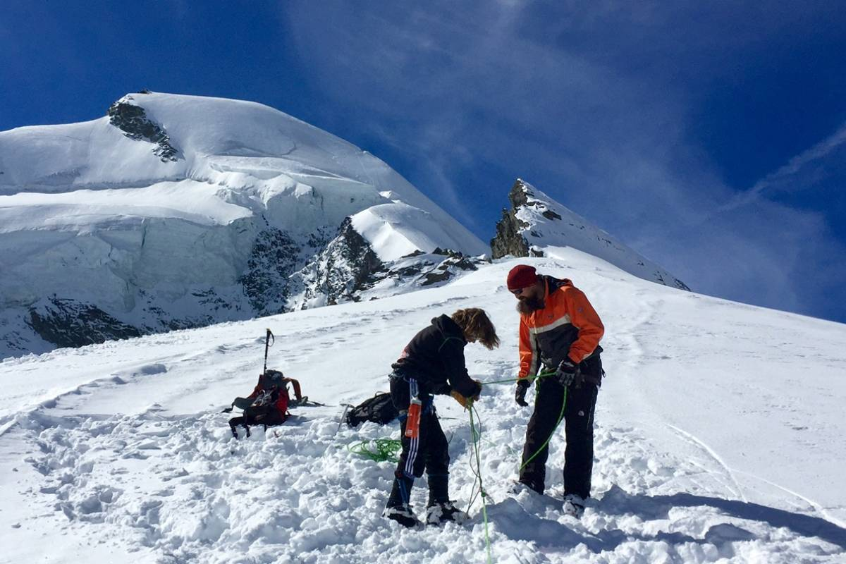 Saas-Fee Guides Ice education course