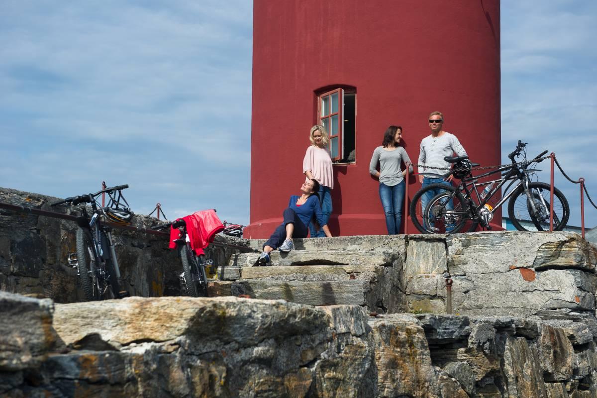 Kayak More Tomorrow Islands, Art Nouveau & Fjords on an EL Bike