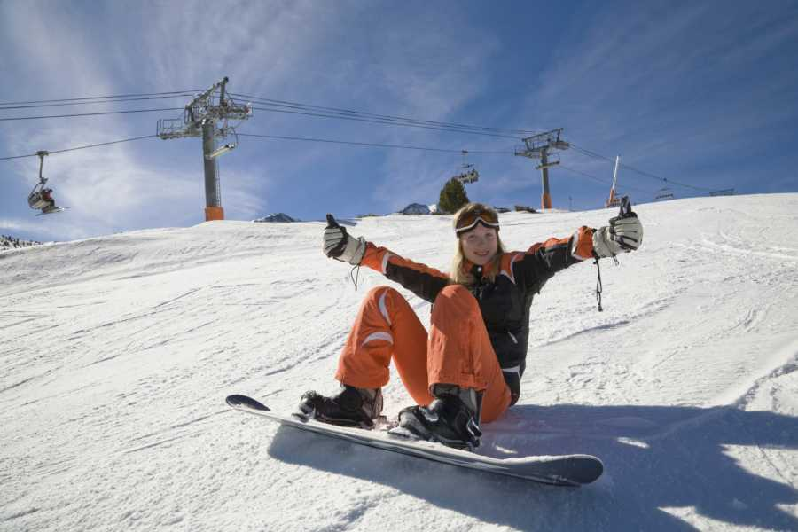 Outdoor Interlaken AG 하프데이 스노보드 강습 (1/2 Day Beginners Snowboard Package)