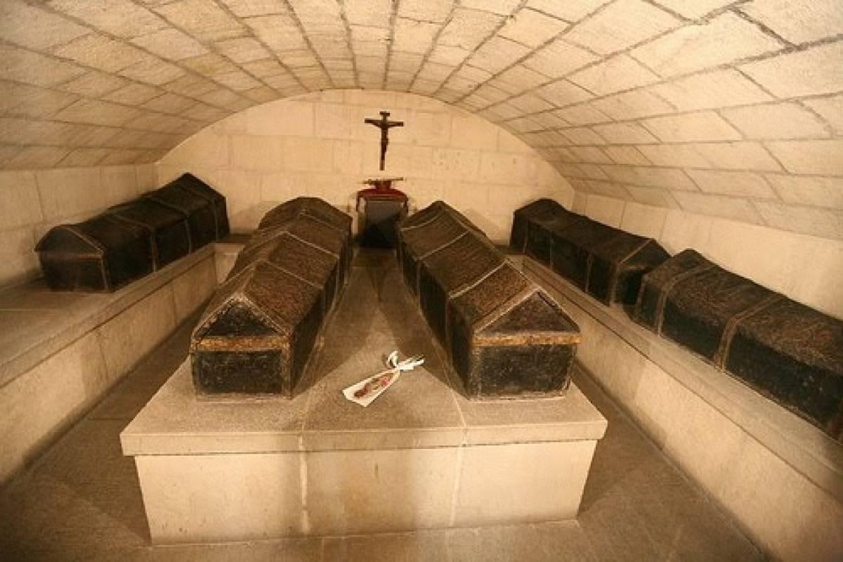 NHUE Catedral y Capilla Real EN ESPAÑOL