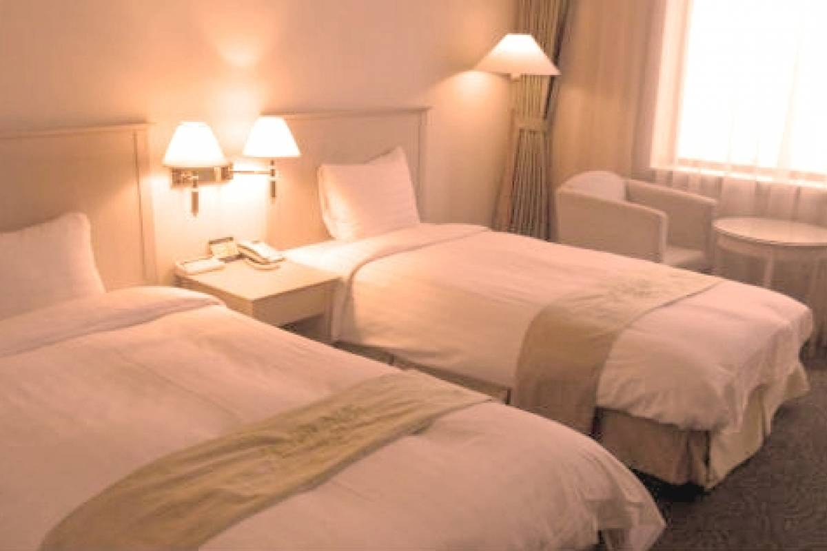 Kim's Travel Shangria Beach Hotel ★★★★