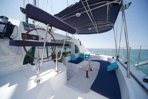 4 Hour SUMMER 2021 Luxury Sailing Catamaran Cruise