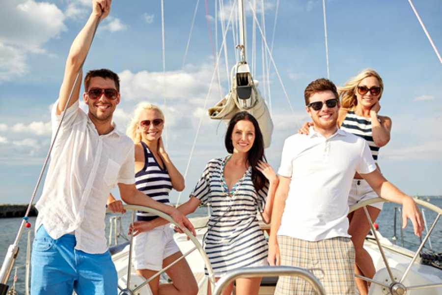 SailandPlay,SLU 4 Hour SUMMER 2019 Luxury Sailing Catamaran Cruise