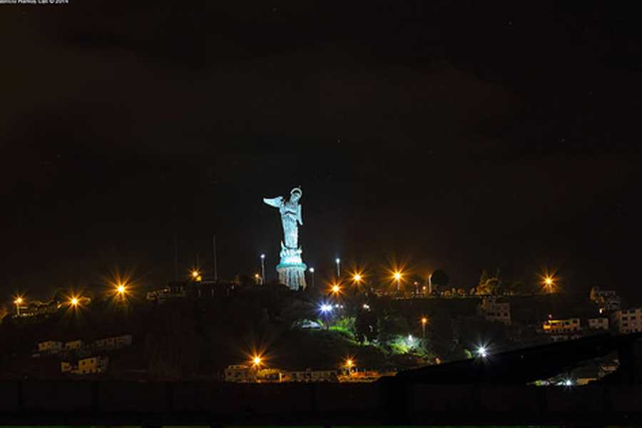 Gray Line Ecuador Leyendas de Quito en la noche