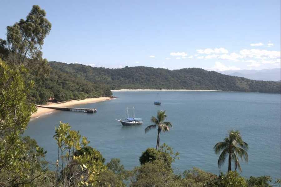 Check Point Ciudad de Ubatuba con paseo de escuna (playas)