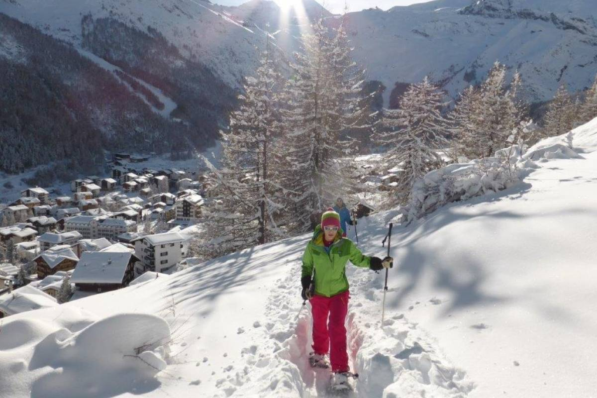 Saas-Fee Guides Wednesday Magical snowshoe tour
