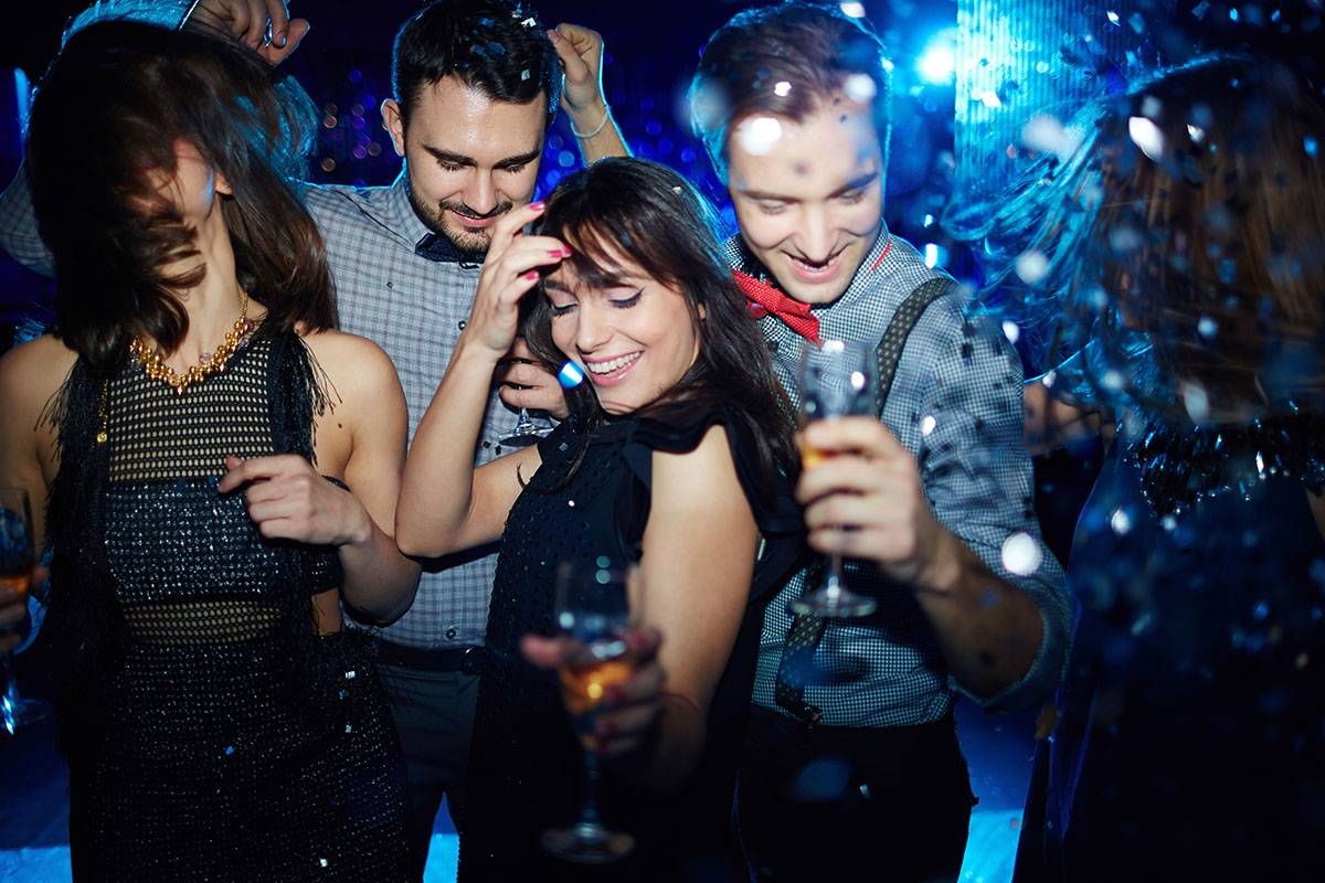 SANDEMANs NEW Edinburgh Tours Edinburgh New Year's Eve Warm Up Party