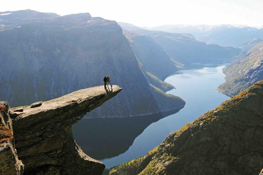 Norway Insight Kombiner Trolltunga og brevandring