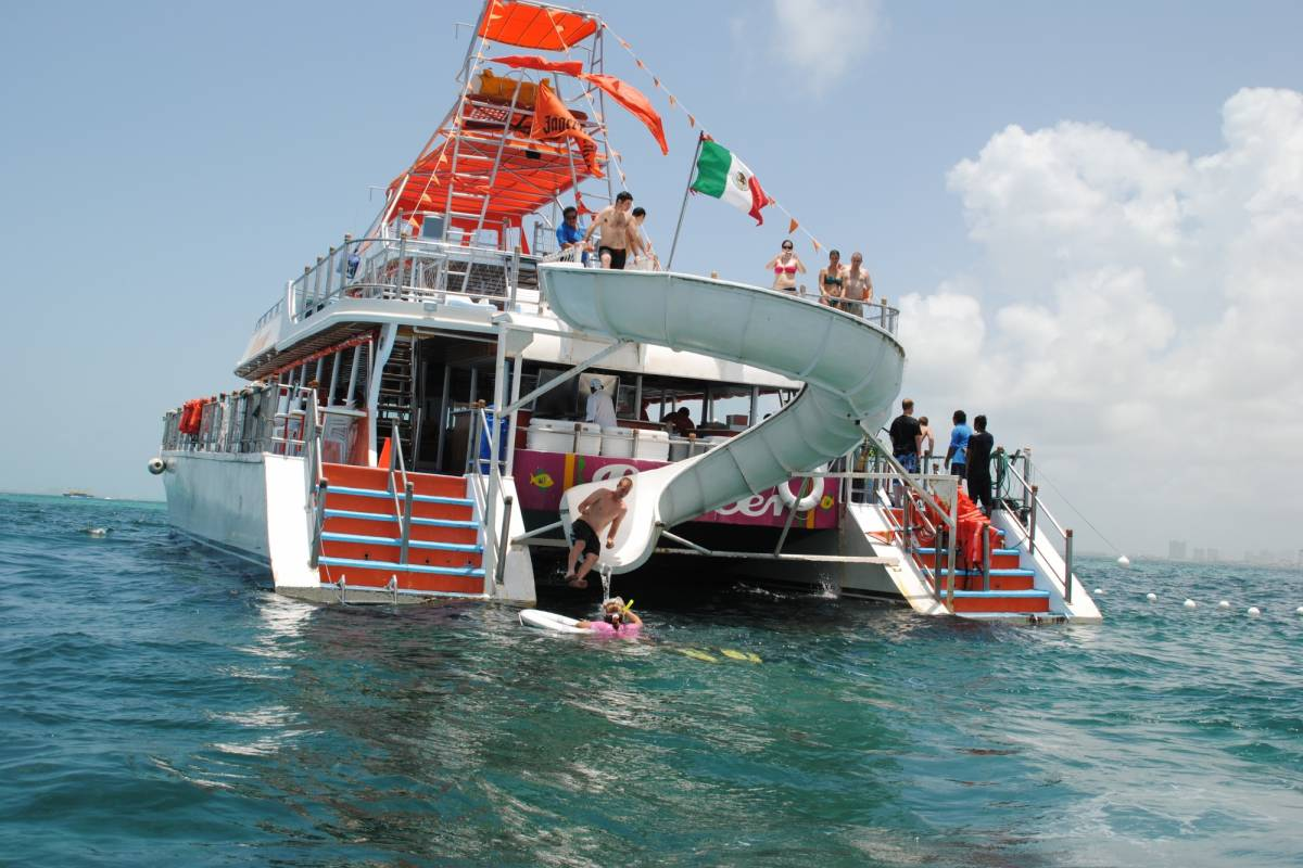 Cancun Vacation Experts DANCER CATAMARAN ALL INCLUSIVE