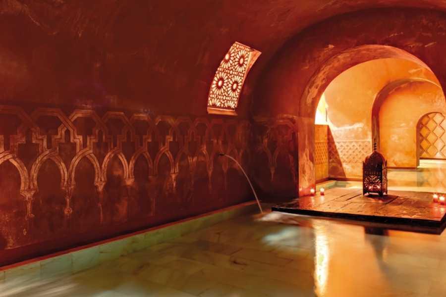 NHUE Incroyable experience dans un merveilleux Hamman au cour de la Granada Nazarí