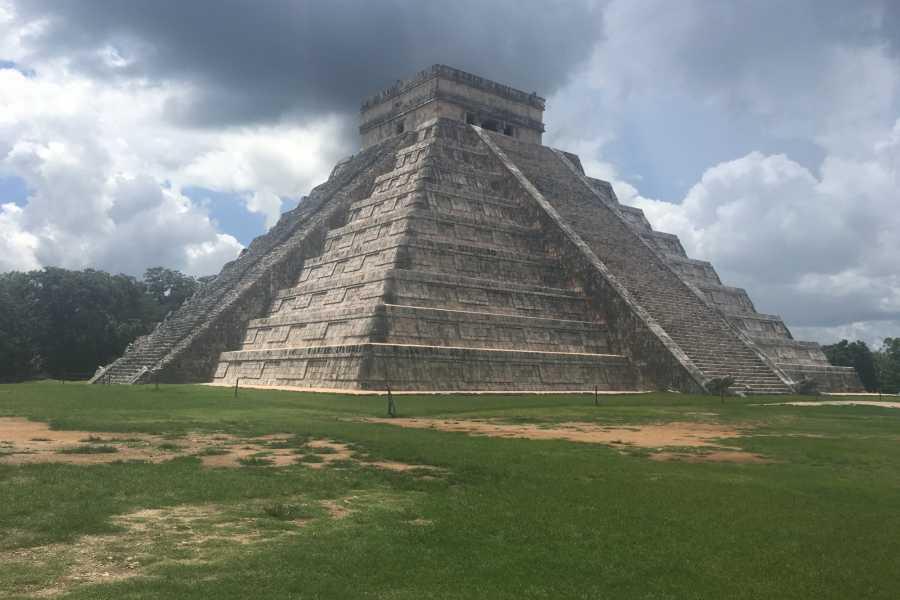 Cancun Vacation Experts CHICHEN ITZA & IK KIL PLUS