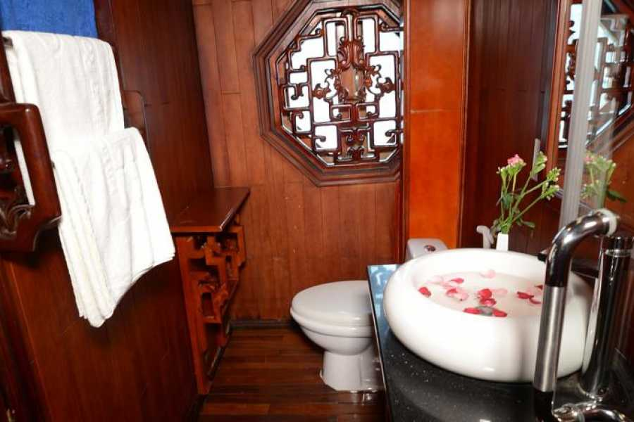 Friends Travel Vietnam Royal Palace Cruise   2D1N Halong Bay