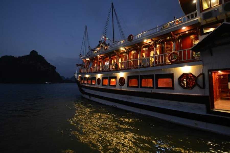 Friends Travel Vietnam Royal Palace Cruise | 2D1N Halong Bay