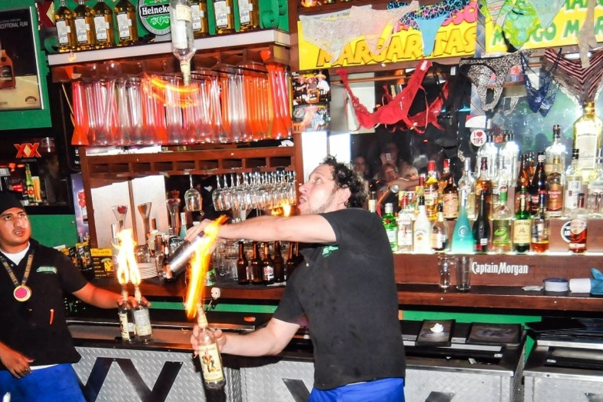 Cancun Vacation Experts CARLOS'N CHARLIE'S DOUBLE BLAST